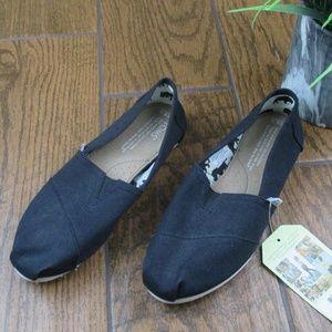 NWT Toms 6.5W Classic Black Flats